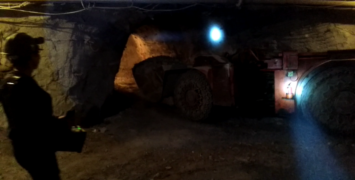 Remote control mining equioment_radio remote _control system__LHD loader_line of sight_underground mining_loader_HOT Mining_kyle4
